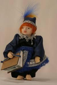 кукла с шарнирными соединениями